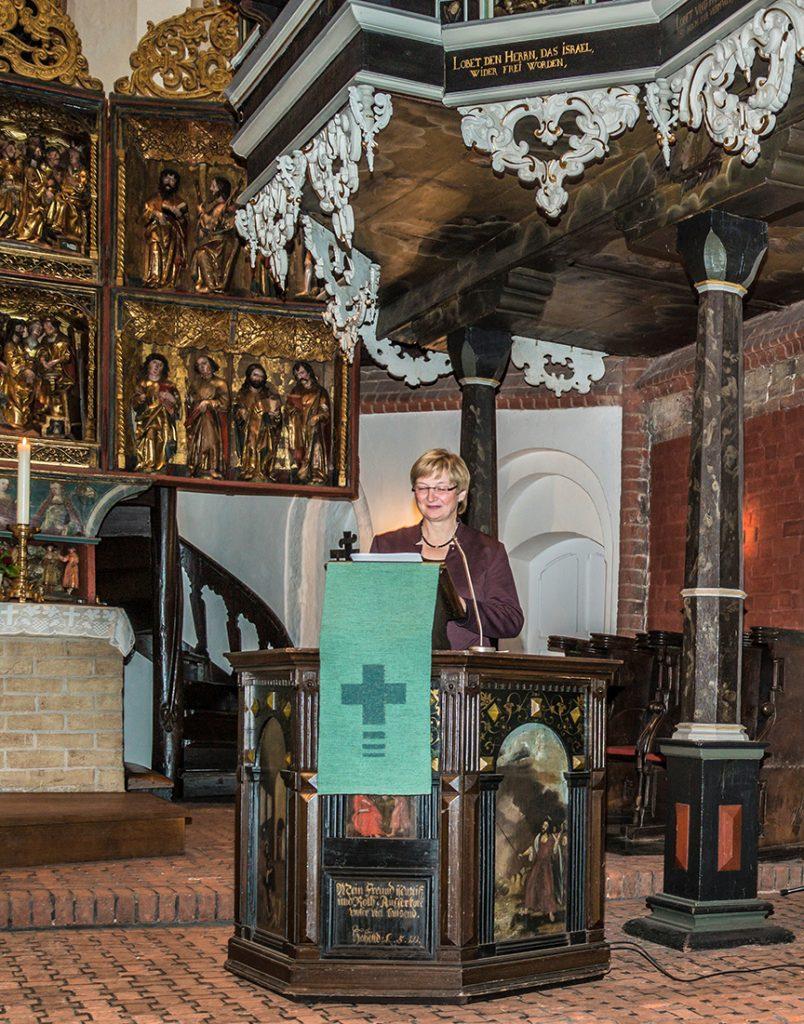 2016-10-28-kloster-luene-vortr-superintendentin-schmid-4-100-dpi